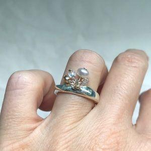 Vintage BCBG sterling silver pearl dangle ring